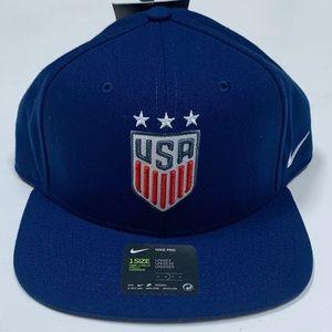 Nike Air USWNT Soccer SnapBack Hat BV4280-492 Blue